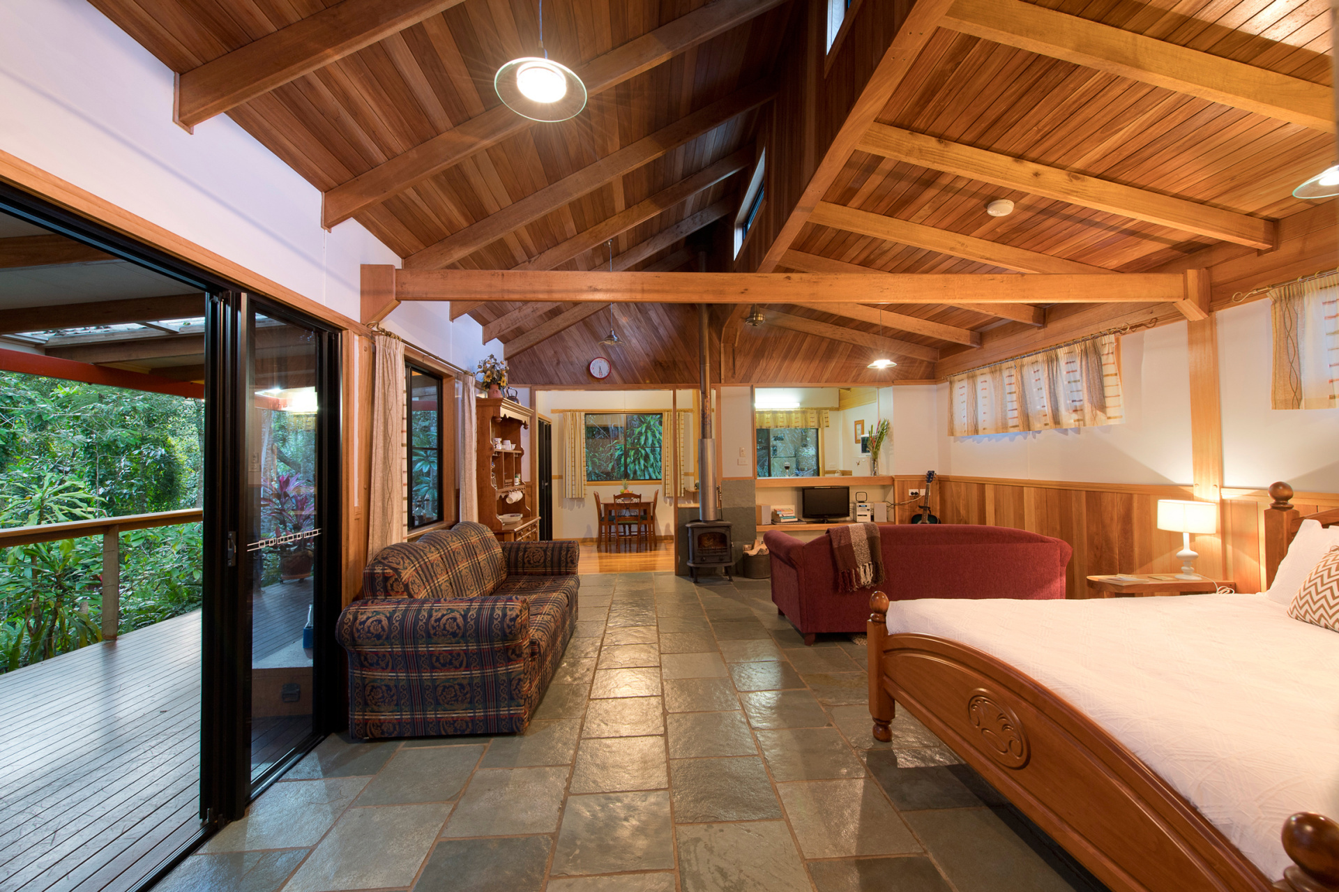 Lake Barrine Cottage Bed And Breakfast