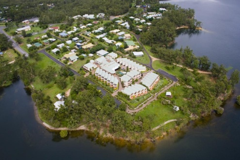 ABOUT TINAROO LAKE RESORT